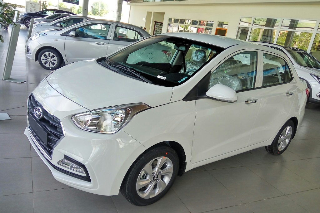 hyundai i10 sedan 1.2 at 2