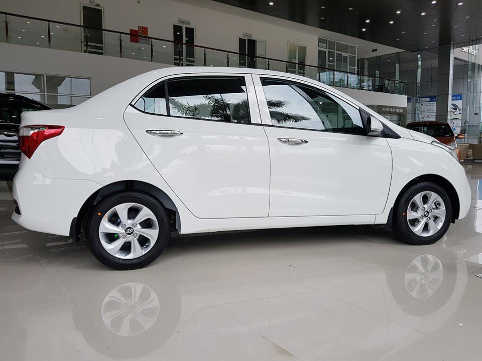 hyundai i10 sedan 1.2 at