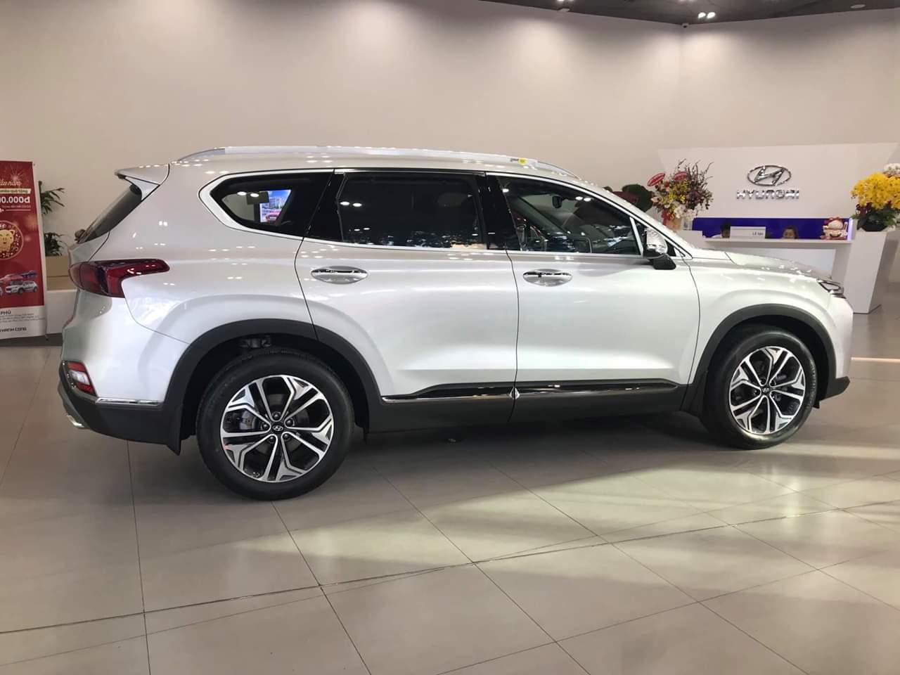 Hyundai santafe 2.4 xăng đặc biệt 2019 (4)