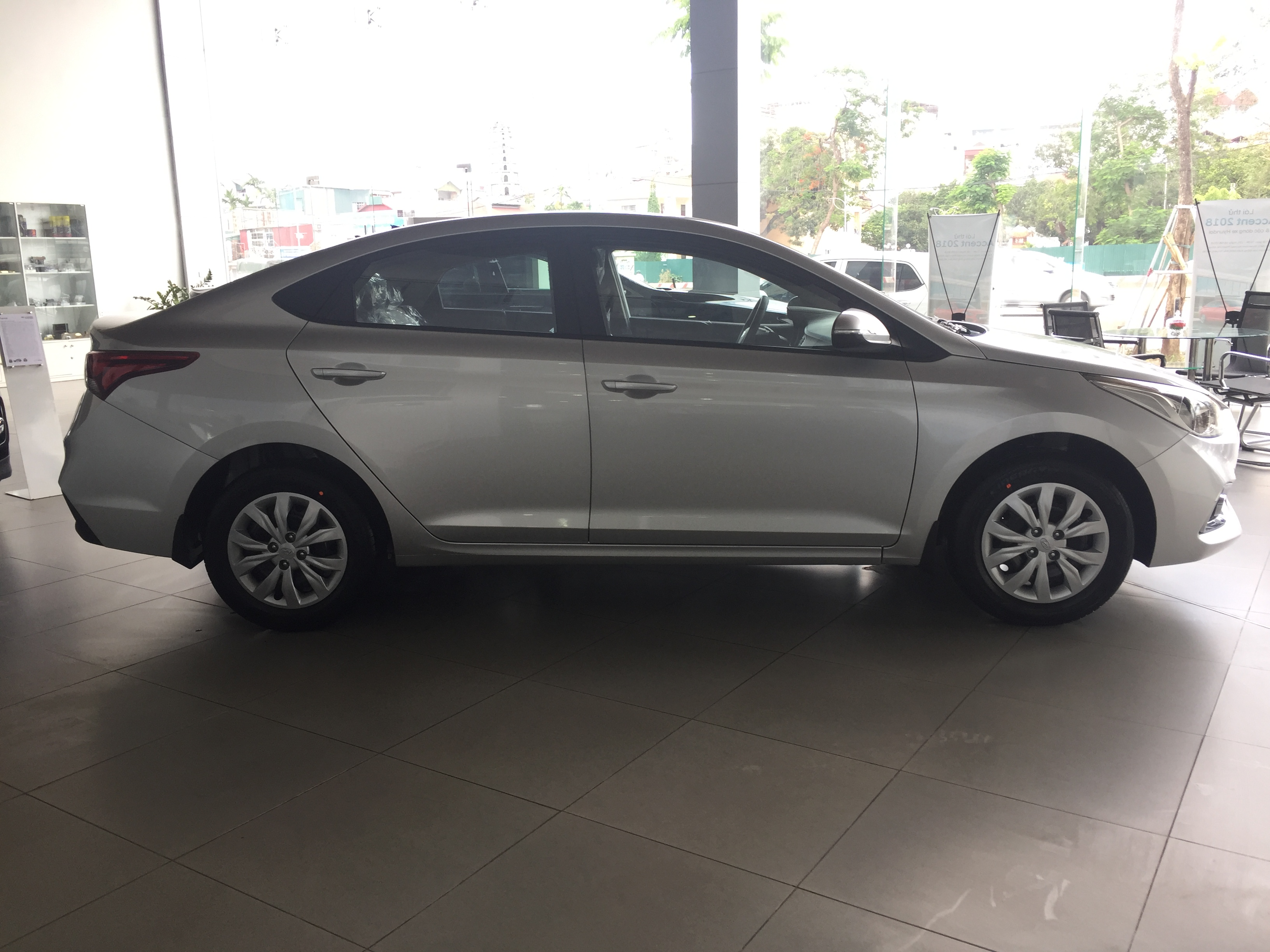 hyundai accent 1.4 mt base tieu chuan (3)